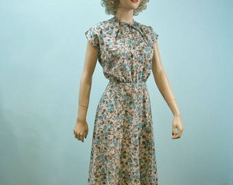 40s Floral Print Dress . Vintage Turquoise & Gray Flared Skirt Dress with Tie Neckline . S M