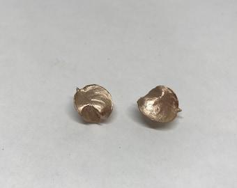 Stud leaf earrings