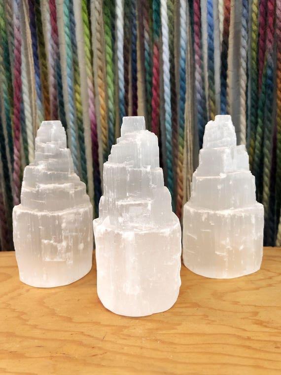 Selenite Tower : natural gysum crystal tower