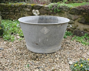 A Nice Old French Round Galvanized Tin Tub  / Basin / Bath  With Handles Make Good Garden Planter / Flower Display Or Herb Garden.