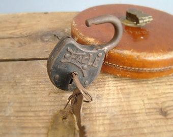 Eagle Padlock, With Keys, Vintage Padlock, 15V6, Vintage Tools, Vintage Hardware, Eagle Lock, Lock and Key, Antique Padlock, Lever Padlock