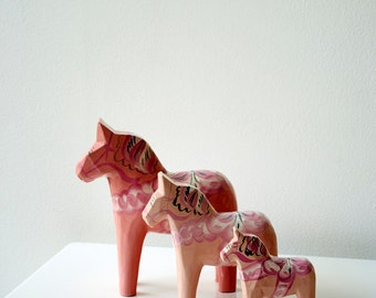 Beautiful set of  Pale Pink genuine Dala Horses