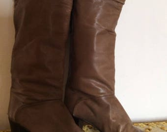 Size 4 Original 80's real leather boots made in Italy
