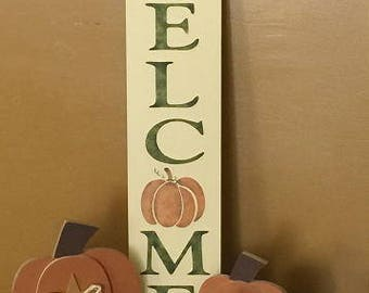 "Welcome sign with pumpkin, 24"" long"