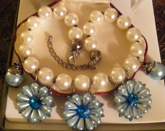 Pretty Large & Heavy Necklace