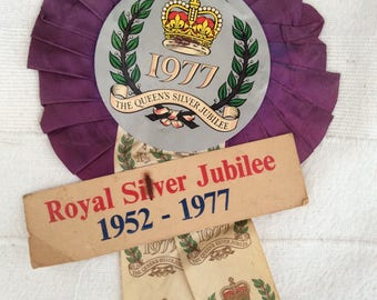Royal Family - Vintage 1970s Rosette - 1970s Ephemera - Silver Jubilee 1977 - Queen Elizabeth - Street Party Decor - Vintage Royal Family