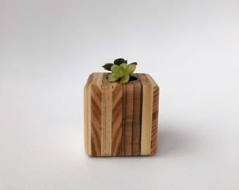 Reclaimed Wood Planter Magnent