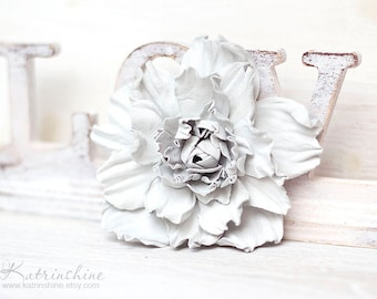 White leather flower brooch, statement brooch, cocktail pin, leather jewelry, gift for her, leather flower, Rose brooch, Flower Accessory