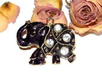 32 X 19 MM white pearls and metal elephant pendant
