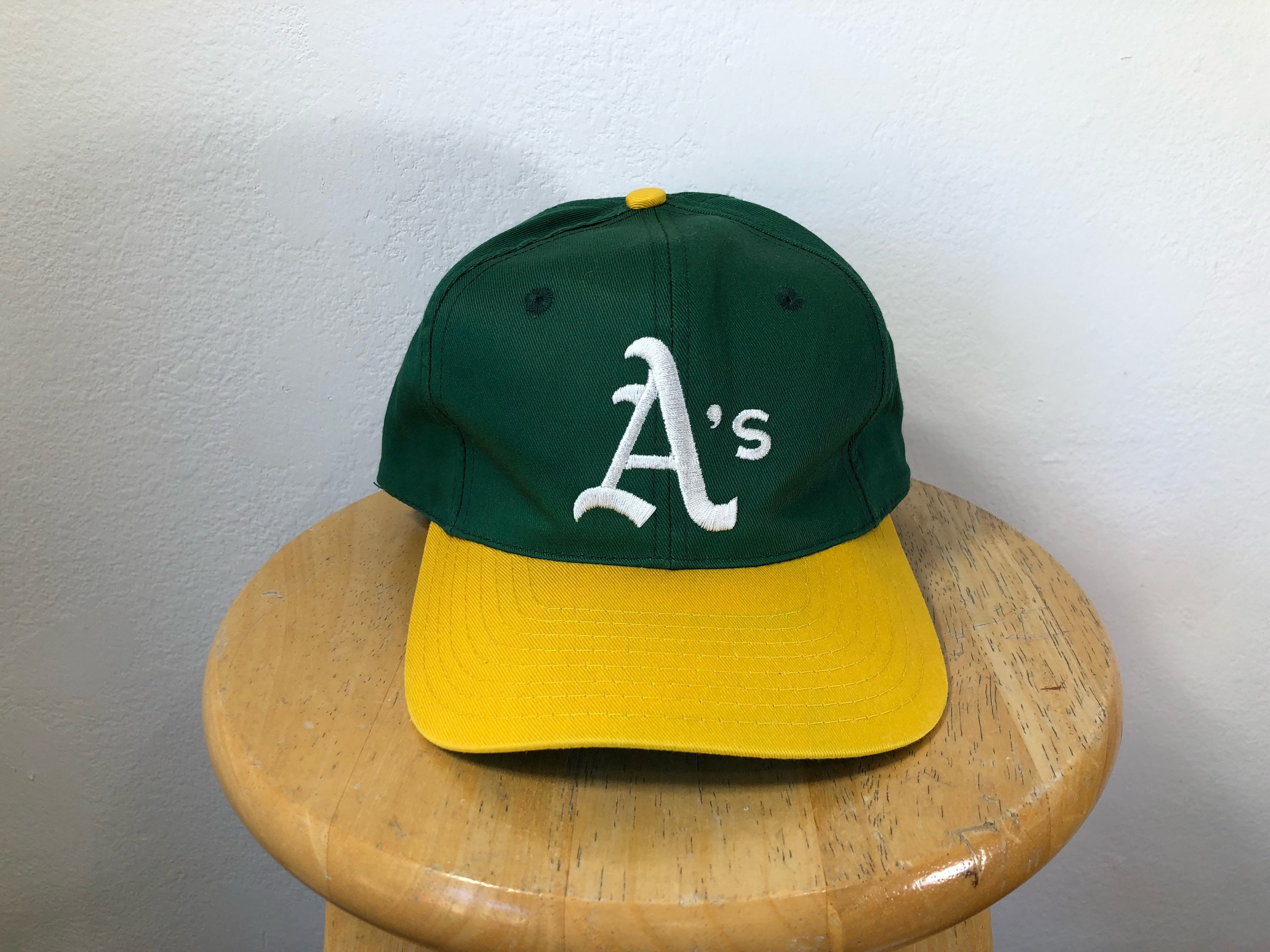 buy popular ae090 75e6f ... coupon for description. for sale is a vintage oakland athletics  snapback 11b5d a9b85