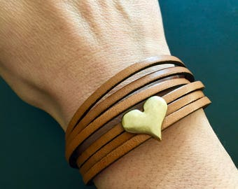 Light brown leather wrap bracelet - Antique gold heart charm