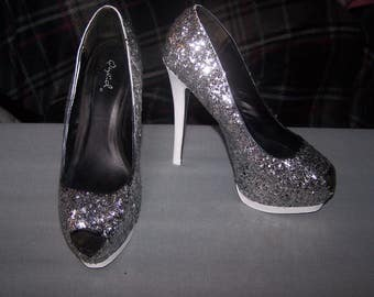 Silver glitter and white heel, Size 8