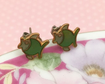 Tiny Little Fish Studs, Vintage Enameled Metal Studs, Green Gold Fishy, Nature Lover Stud Earrings, Green Fish Studs
