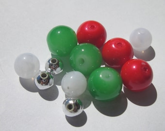 12 acrylic and 6-10 mm (PV38) colored glass beads