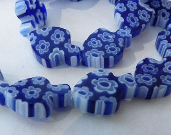 29 glass beads with flowers 13 x 10 mm blue and white clover shaped