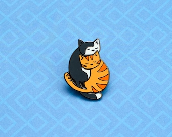 Cute Cat Enamel Pin - Cuddle cats