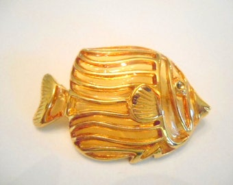Vintage Fish Brooch Gold Tone
