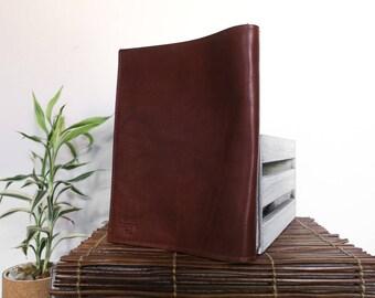The MOSAIC design portfolio // rich full-grain, veg-tan leather // english tan