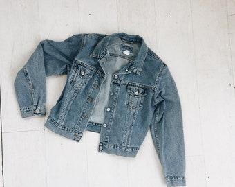 LEVI'S Jean Jacket size S/M