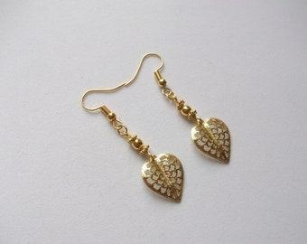 Elegant gold tone leaf earrings