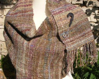 Hand woven scarf made of hand-woven wool with linen