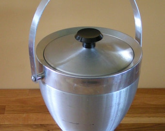 Cool Retro Mid-Century Aluminum Ice Bucket with Lid and Handle