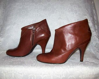 Vintage Ladies Brown Leather High Heel Ankle Boots by Nine West Size 8 Only 12 USD