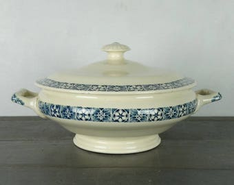 "French Vintage soup tureen, vegetable tureen, ironstone, ""Longchamp"", ca 1930"