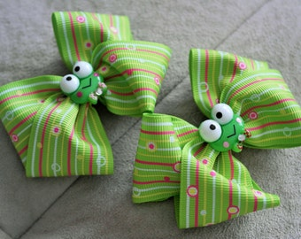 Pair of Sweet Frog Hair bow Clip