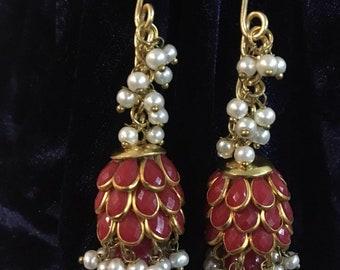 Costume ruby & pearl earrings