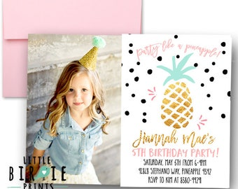 PINEAPPLE INVITATION PINEAPPLE Birthday invitation Gold Pineapple Invitation Luau Invitation Summer Party Invitation Tropical Hawaiian
