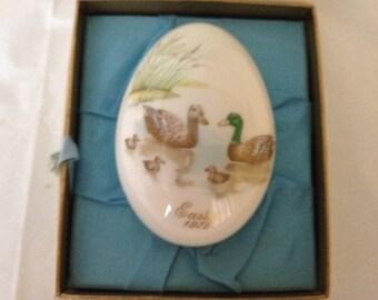 Noritake Bone China Easter Egg 1975 ~ Bone China Egg Depiction Ducks