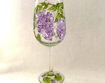 Free shipping Lilac wine glass for personalized gift giving with name or title mom meme grandma aunt bridesmaids etc