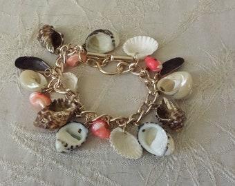 Vintage Seashell Dangle Charm Style Bracelet Costume Jewelry Estate Find