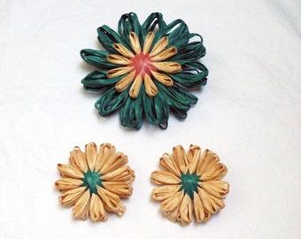 Raffia Flower pin, Hat pin, Spring flower, scarf pin,
