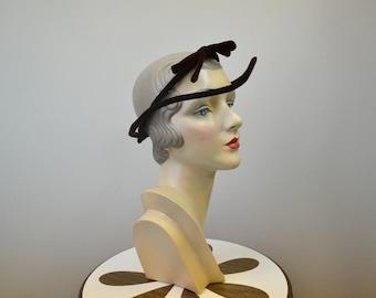 """1930s Brown Velvet Hat """"Frame"""""""