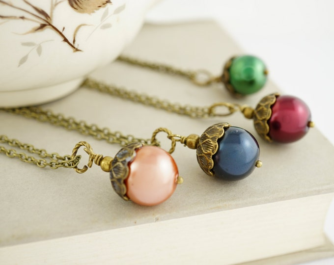 Acorn Necklace - Pearl Acorn Necklace - Bridesmaid Jewelry - Forest Necklace - Acorn Pendant  Autumn Jewelry - Fall Jewelry - Rustic Wedding