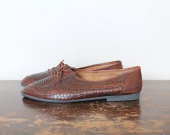 1990s Vintage Brown Woven Leather Shoes