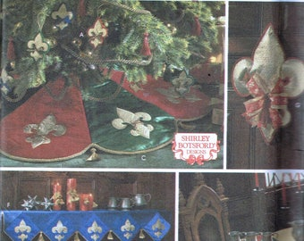 Christmas Home Decor Pattern - Fleur De Lis Christmas Tree Skirt - Fleur De Lis Placemat & Table Runner Pattern - Simplicity 8475 or 5885