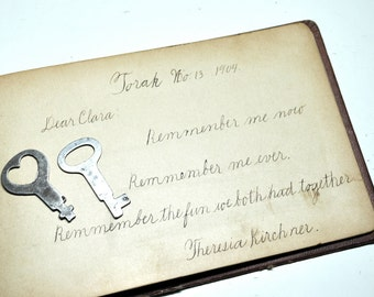 Vintage heart key, 1940s flat jewel box keys, Key to My Heart, jewelry supplies, great for necklaces