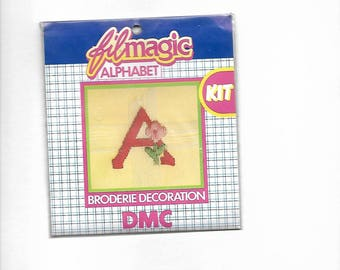 """""""A"""" red letter embroidery to customize a garment 3.5 x 3.5 cm"""