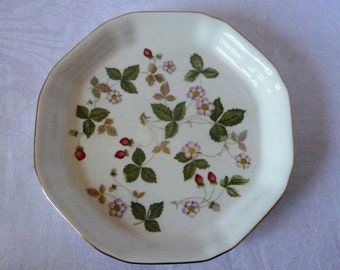 Wedgwood 'Wild Strawberry' Octagonal Tray 7""