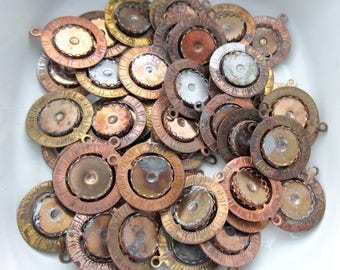 50 pcs. vintage spinner pendants w dual 18mm lace edge settings - steel w partial copper or brass coating