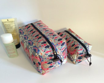Washbag, Liberty fabric with waterproof lining, travel bag, cosmetics, toiletries bag, travel bag, makup bag, sponge bag