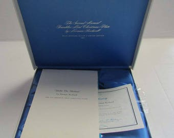 """Representation Box Franklin Mint Sterling Silver Christmas Plate """"Under the Mistletoe"""" Rockwell Display CASE ONLY"""