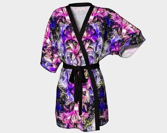 A great romantic or bridal shower gift!Floral Fantasy Kimono Robe