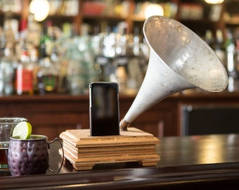 Acoustic speaker, rustic, Wireless speaker, iPhone speaker dock, passive speaker, vintage speaker, Gramophone, industrial, iPhone amplifier