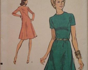 Vintage Vogue 8843 Misses Dress Pattern, size 12