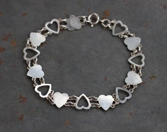 Dainty Hearts Bracelet - Sterling Silver Diamond cut Love Links - Vintage 80s Jewelry