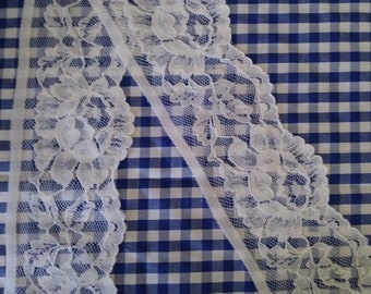 """10yds White Floral Lace 2.75"""" Wide."""